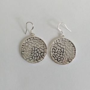 """Jewelry - Silver Plated 1"""" Round Cut Out Drop Earrings"""